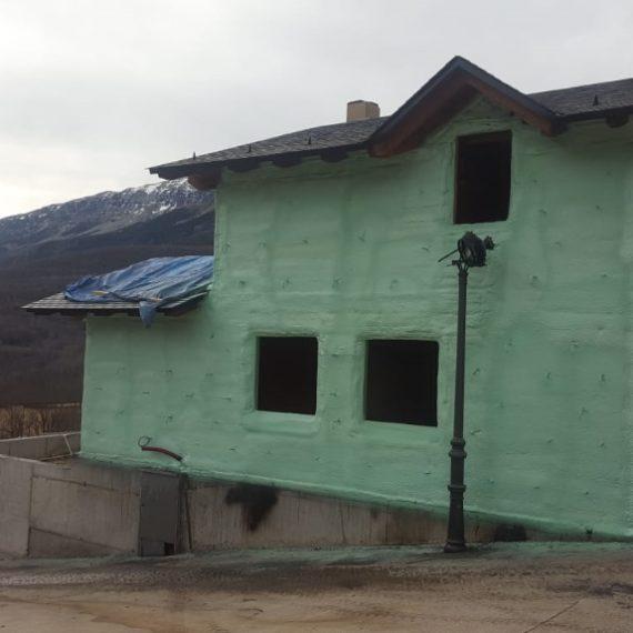 Fachadas de casa por el exterior con Poliuretano