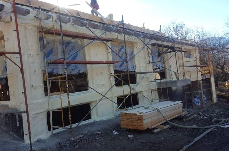 Fachadas por el exterior con Poliuretano de viviendas unifamiliares